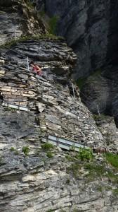 Steil nach oben geht es in der Felswand