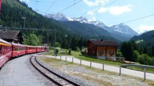 Eile mit Weile:  Aussichtsreich ist die Fahrt mit den Schweizer Bahnen.