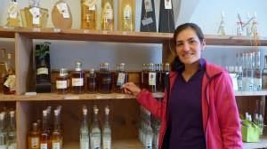 Jenins Carina Kunz im Weinladen