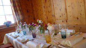 Malans Weißes Kreuz Tischdekoration