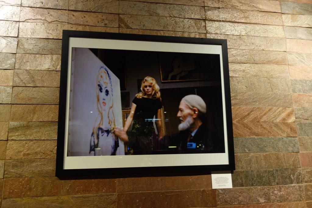 Brigitte Bardot steht dem Maler Kees van Dongen Modell.