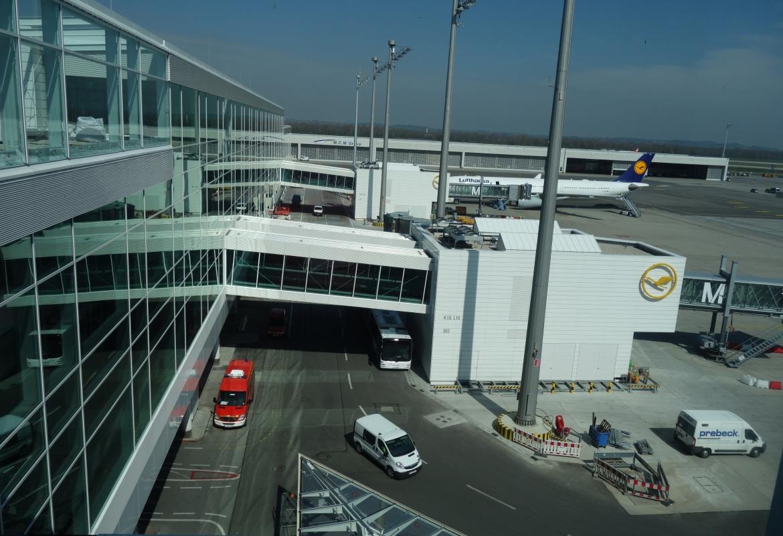 Kurz vor der offiziellen Eröffnung: Der Satellit am Terminal 2 des Flughafens München.