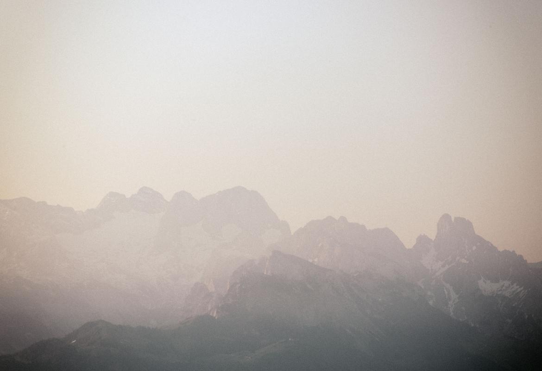 Die Berge im Licht gab's aber nur im Buch.   Foto: Jörg Lehmann