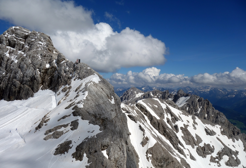 Die Berge sind zum Greifen nahe.