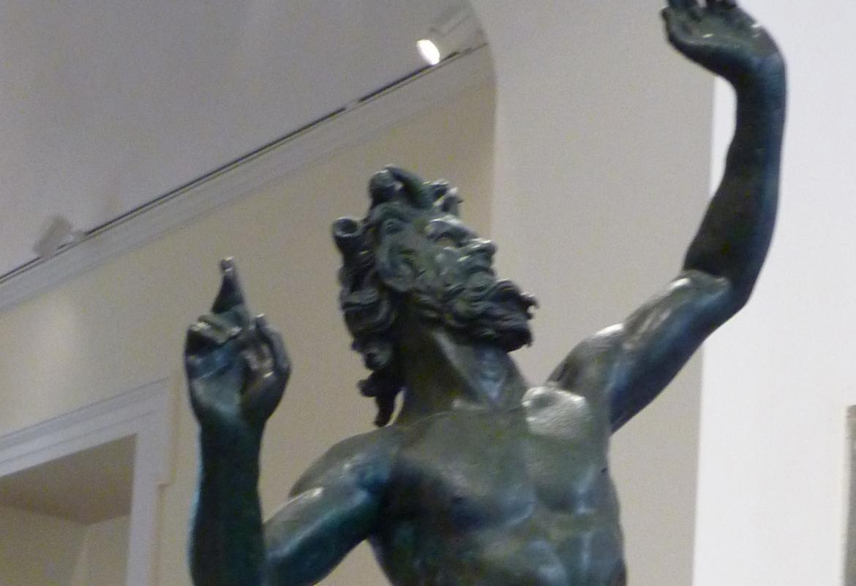 Die gigantischen Bronzen machen selbst dem berühmten Faun Konkurrenz, der im Vergleich dazu winzig wirkt.