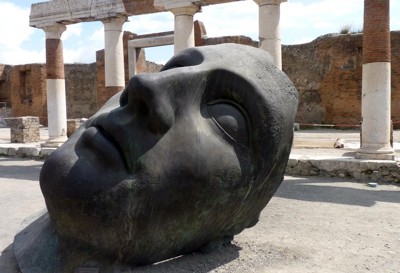 Der Künstler Igor Mitoraj hat davon geträumt, seine klassischen Bronzen in Pompeji zu zeigen.