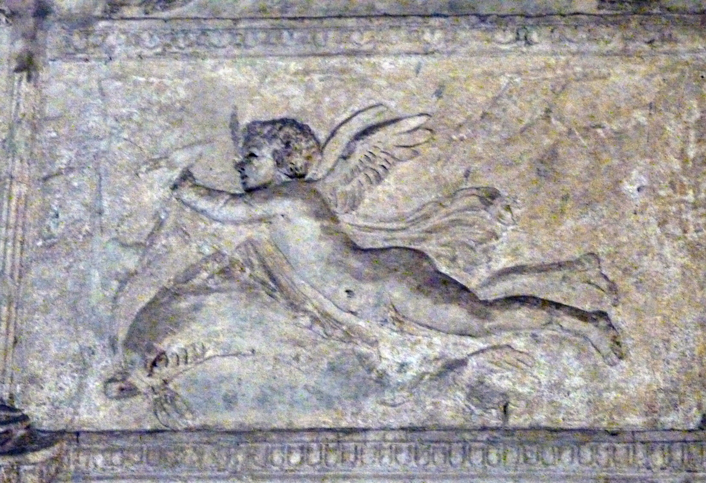 Auch auf diesem antiken Relief aus Pompeji  ist ein geflügeltes Wesen zu sehen.