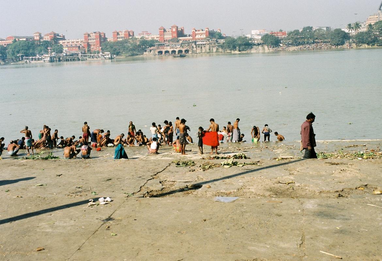 Indien (Kalkutta am Ganges) hat seit den Angriffen auf Frauen viel an Sympathie verloren.