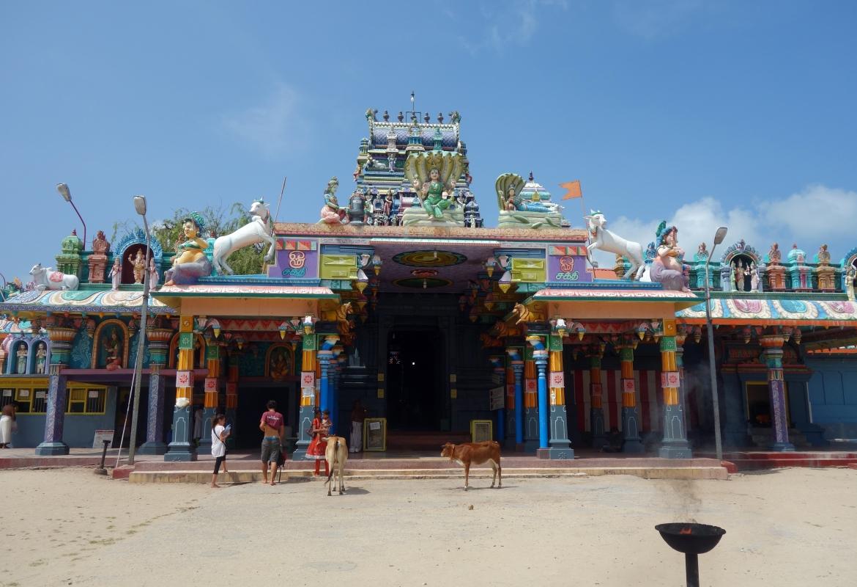 Sri Lanka (Nainativu Hindutempel)  bietet sich als Ausweichziel mit ähnlicher Kultur an.