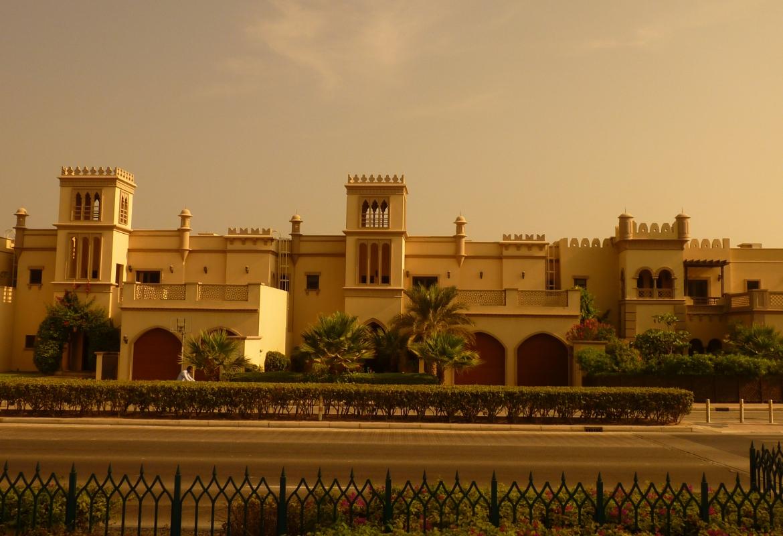 Ein sensationell gut laufendes Ziel ist für FTI Dubai, hier Häuser auf The Palm.