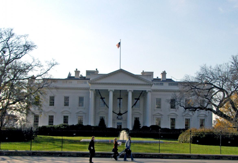Die USA ( das Weiße Haus in Washington) sind vielen Reisenden zu teuer geworden.