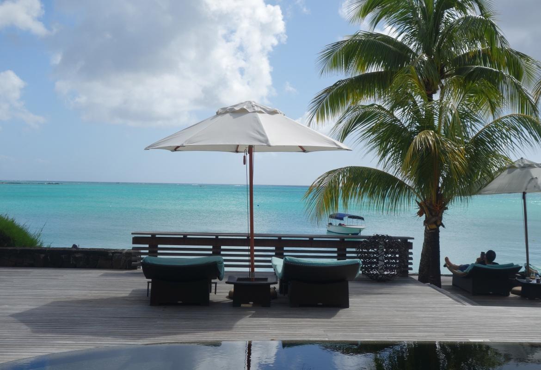 Einladung zur Auszeit: Strand des Royal Palm in Grand Baie.