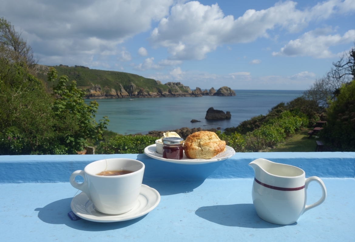 Tea Time mit Aussicht in Moulin Huet.