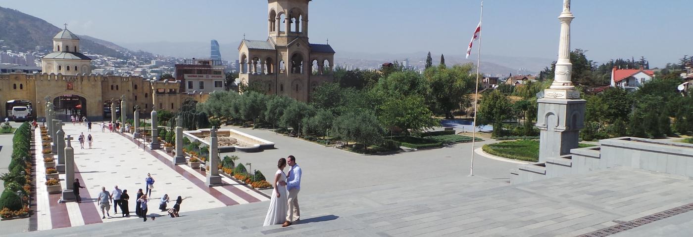 Tiflis Sameba Kathedrale Brautpaar